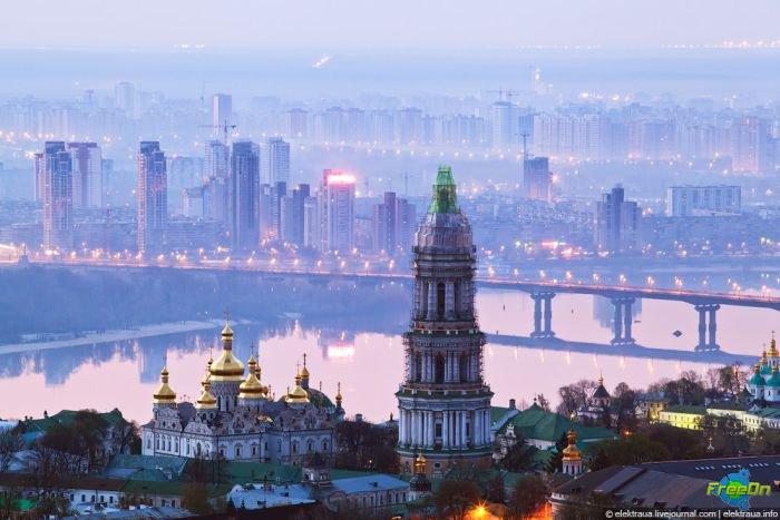 1306247039_kiev-freeon_portal05