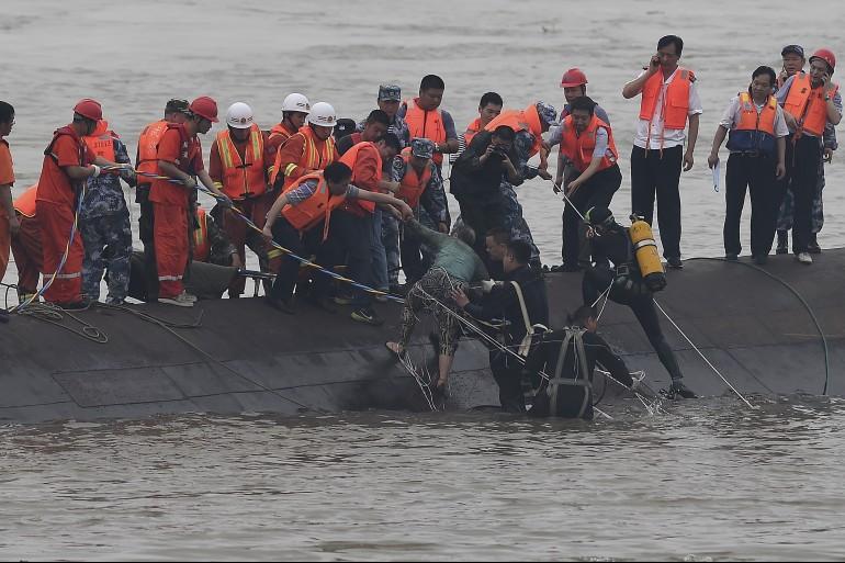 china_boat_sinks-e1433230262645